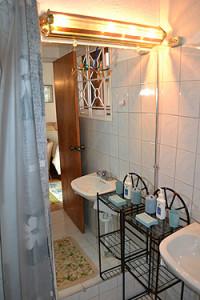 VillaVictoria_bumster_041 Bath
