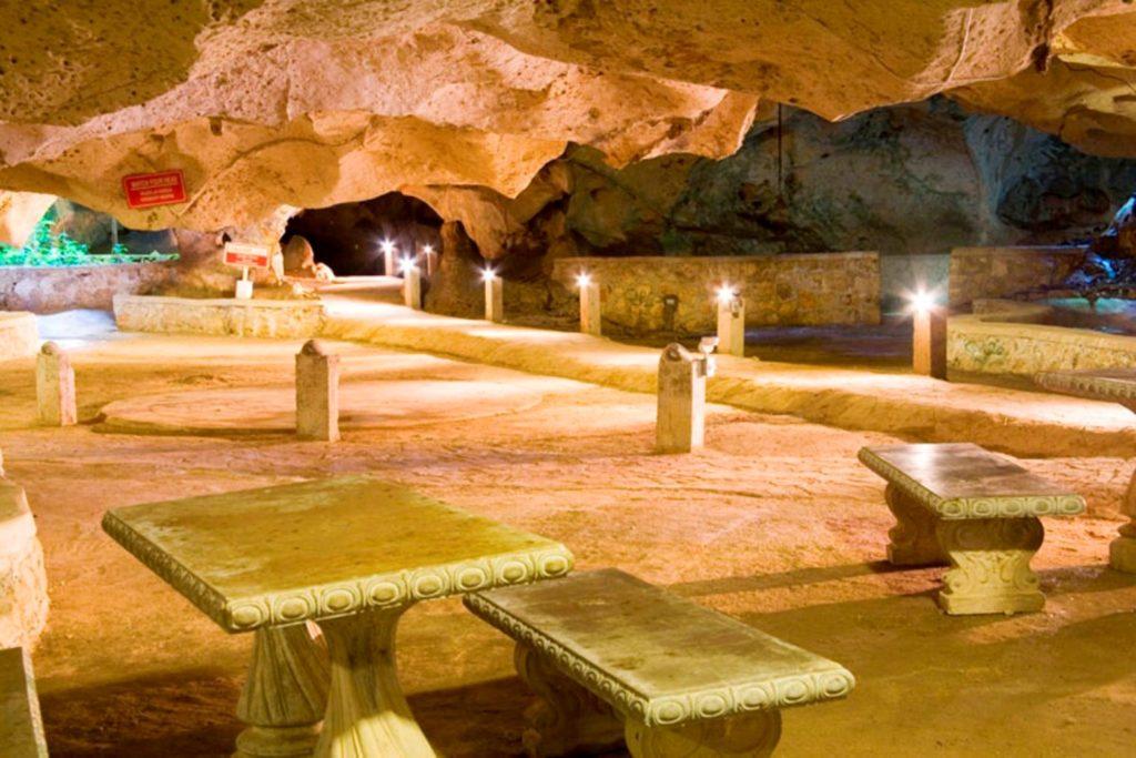 Greeb Grotto (1)